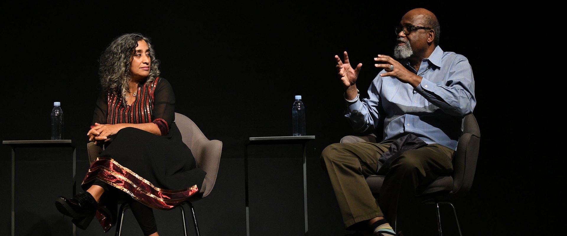 """Reżyserzy Geeta Gandbhir i Sam Pollard w rozmowie z Piotrem Kraśko o """"Genezie nienawiści"""" – tylko w player.pl!"""