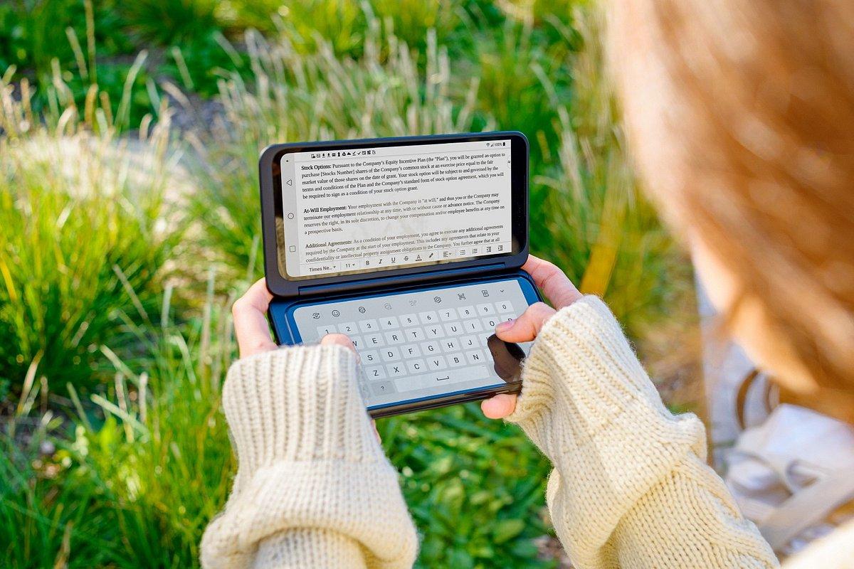 Składany i podwójnie praktyczny smartfon LG G8X ThinQ z dodatkowym ekranem LG Dual Screen trafia do sprzedaży na globalne rynki. W Polsce lada moment!