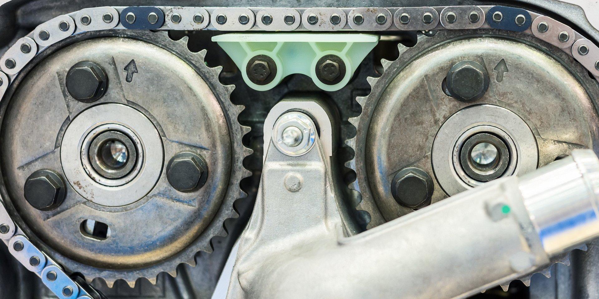 Zerwanie łańcucha rozrządu – przyczyny oraz konsekwencje dla silnika