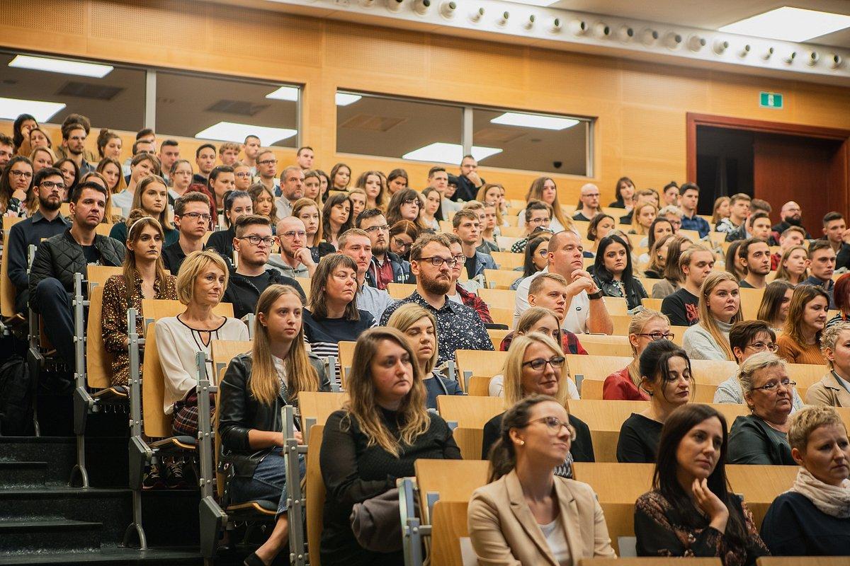 Uroczysty początek roku akademickiego dla kilku tysięcy studentów