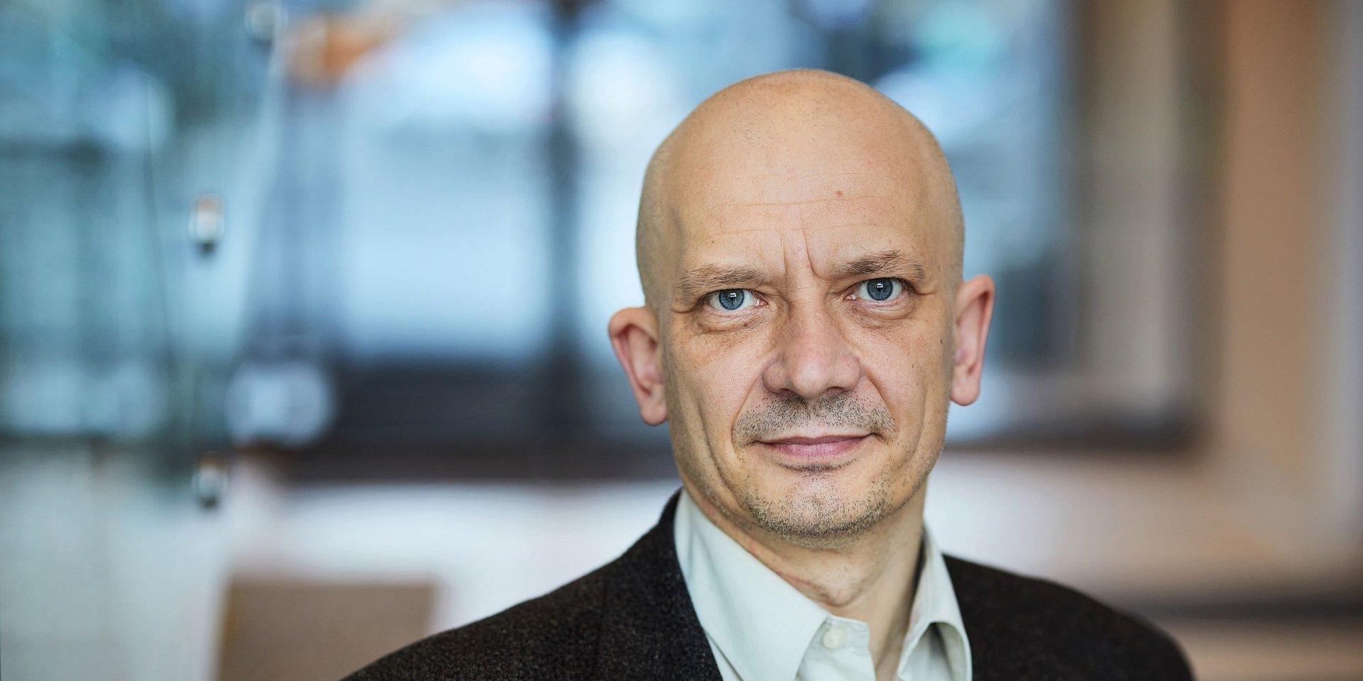 ekonomia/finanse/zarządzanie: dr Marek Szymański