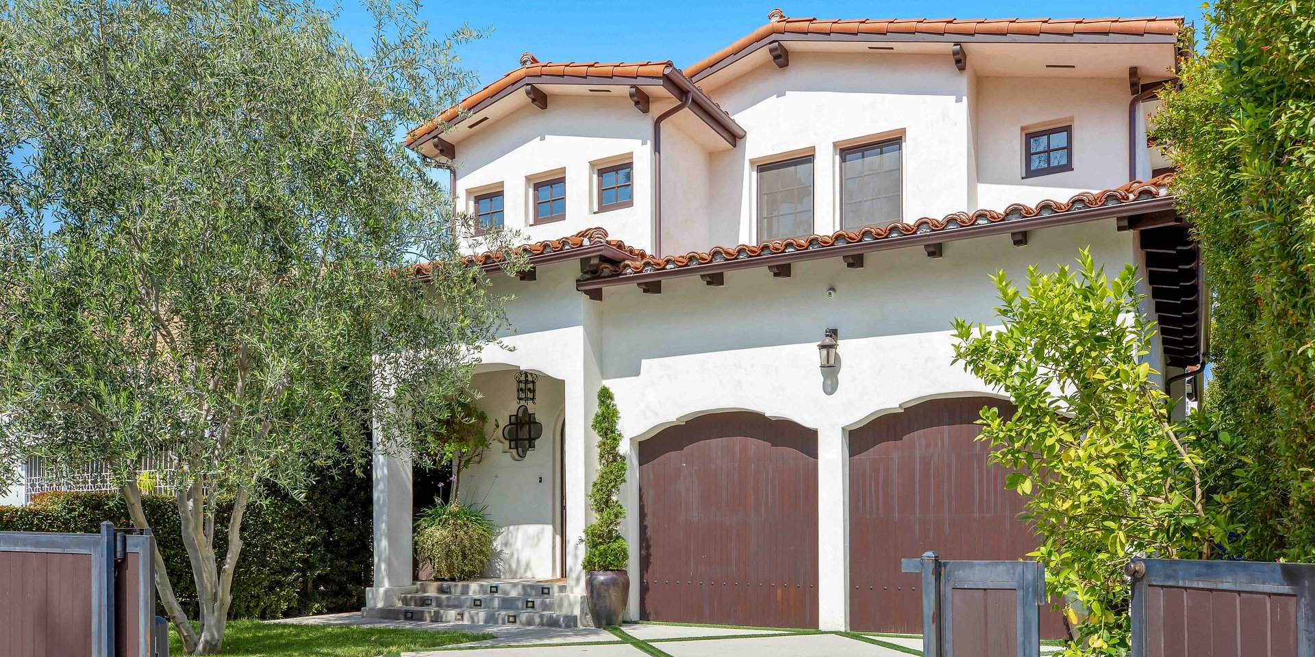 Coldwell Banker Residential Brokerage Lists Los Angeles Property for $2.945 Million