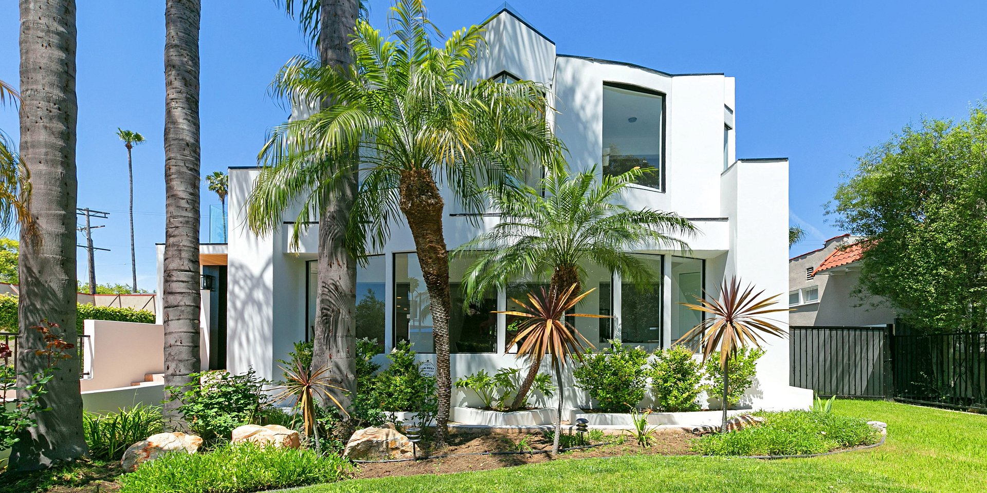 Coldwell Banker Residential Brokerage Lists Los Angeles Property for $2.495 Million