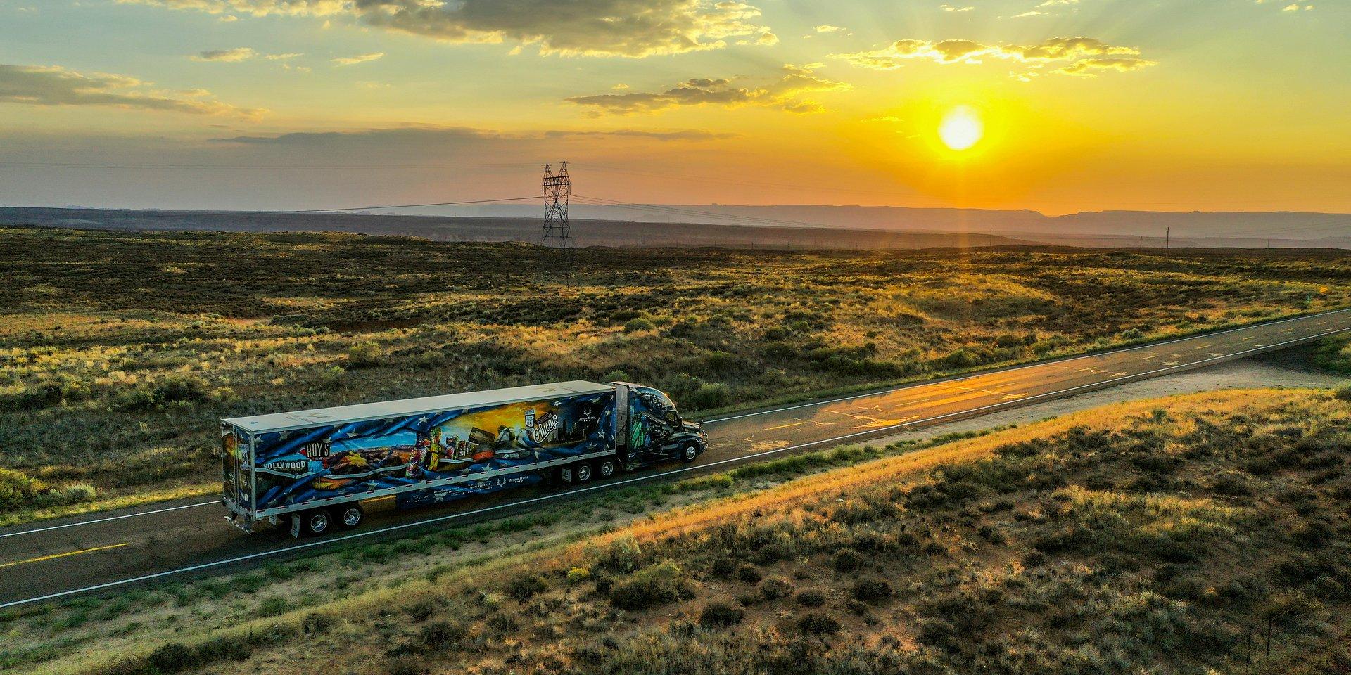 Dawid Andres przemierza USA z wschodu na zachód jadąc legendarną Route 66. Nowy program w Discovery Channel od 26 listopada!