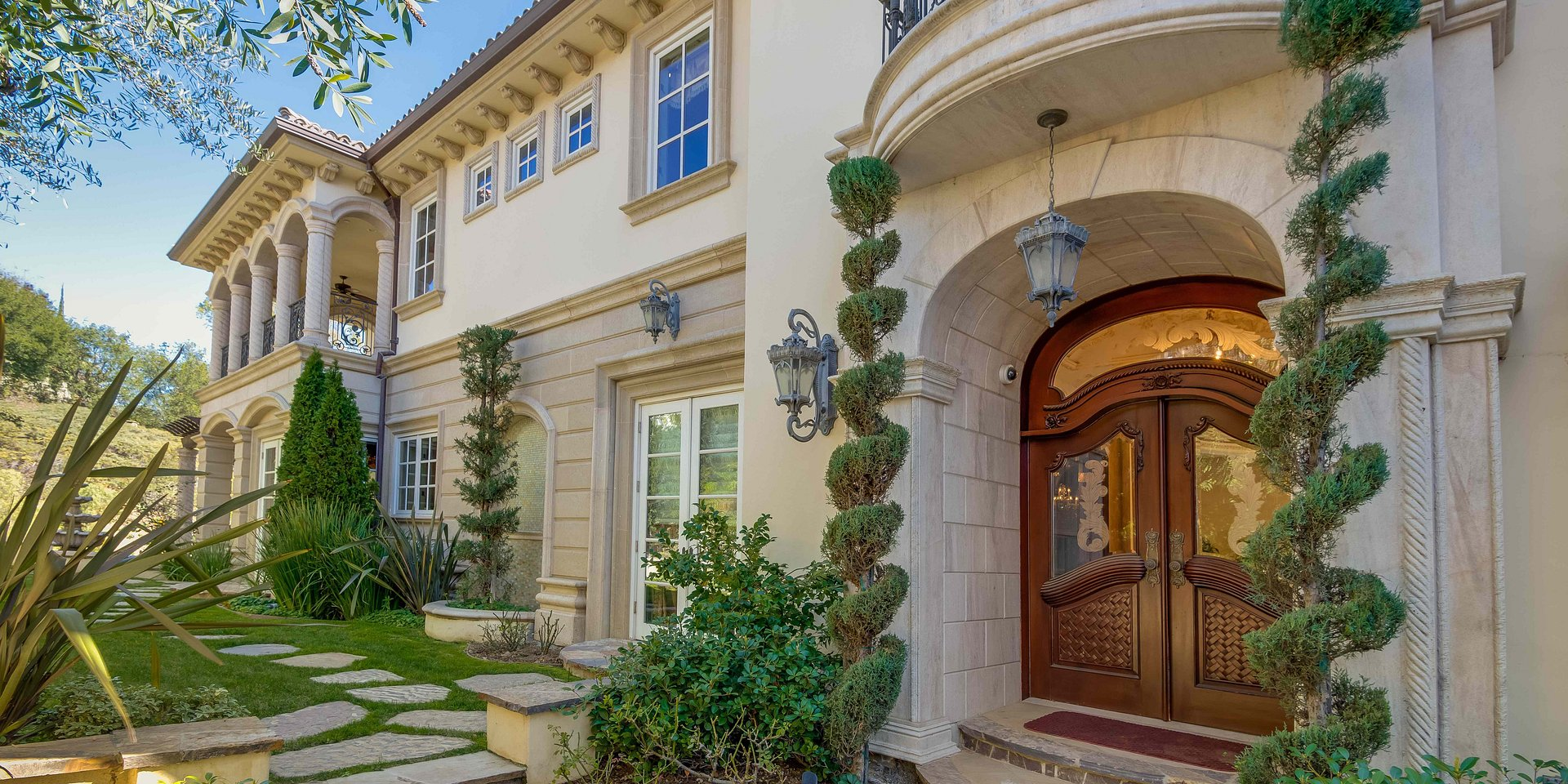 Coldwell Banker Residential Brokerage Lists Beverly Hills Property for $11 Million