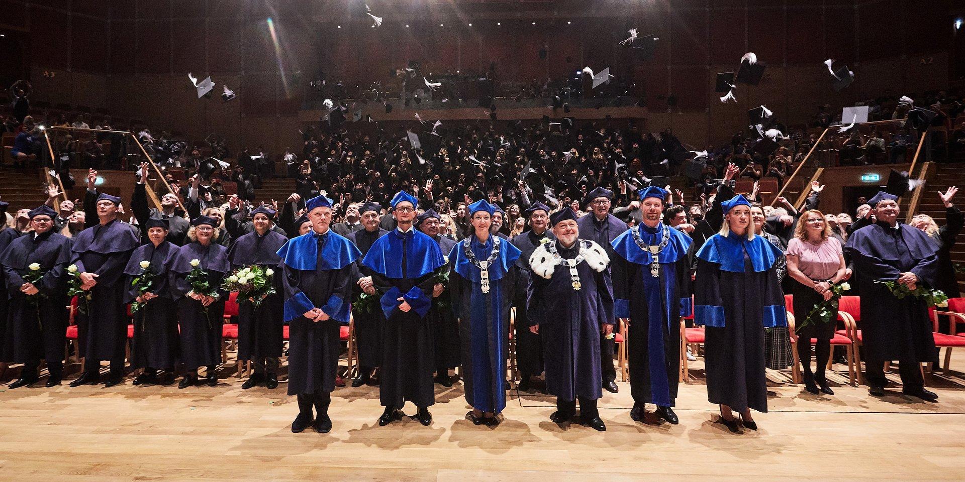 Ponad 3000 absolwentów opuściło mury największej niepublicznej uczelni na Pomorzu