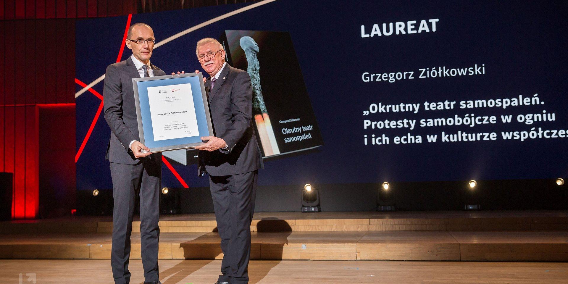 "Nagroda im. Kotarbińskiego 2019 dla ""Okrutnego teatru samospaleń..."""