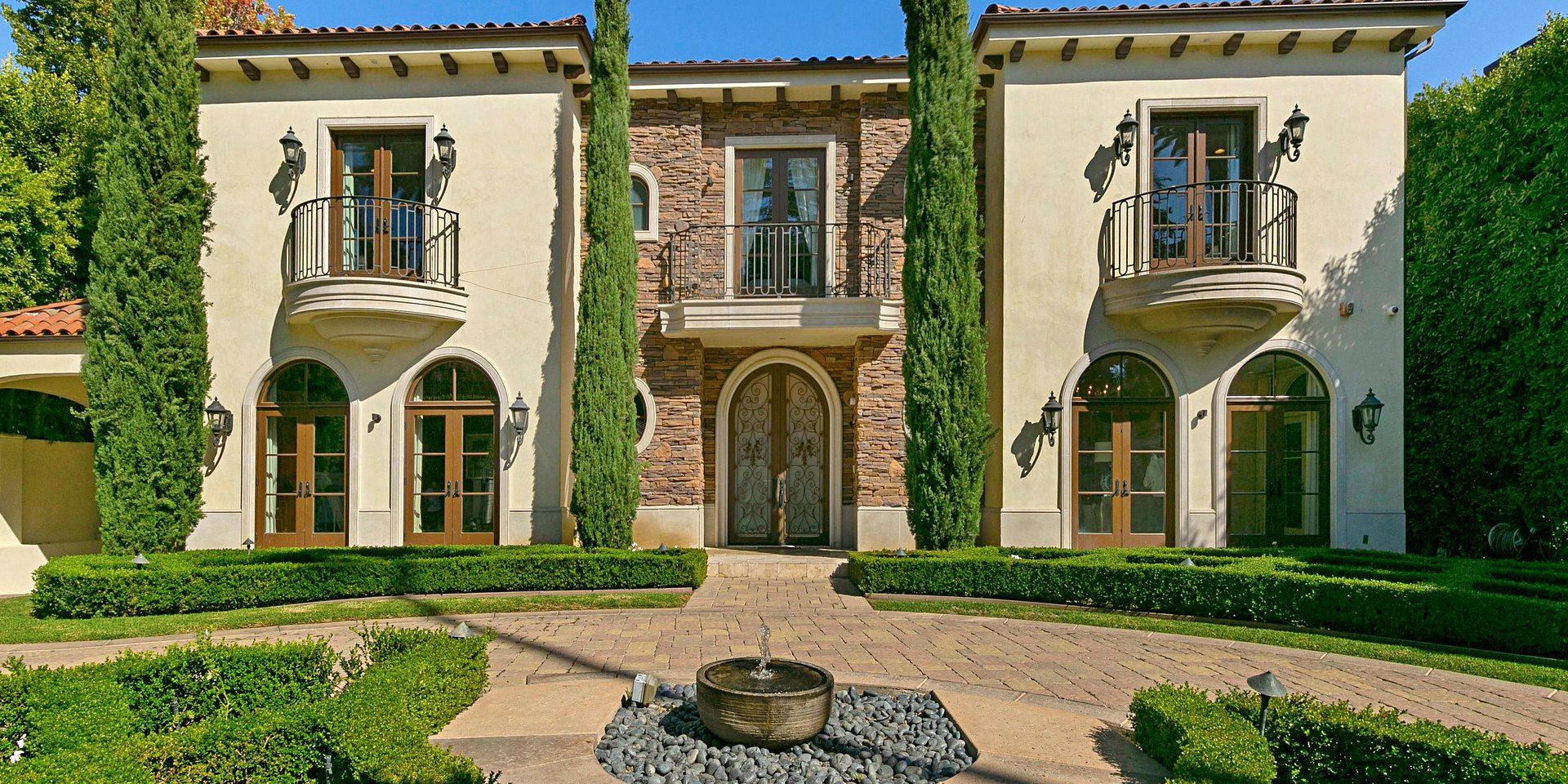 Coldwell Banker Residential Brokerage Lists Beverly Hills Property for $19.995 Million