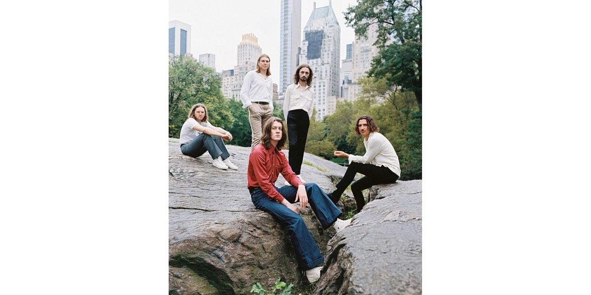 """Blossoms z listem miłosnym do Nowego Jorku w klipie """"The Keeper"""""""