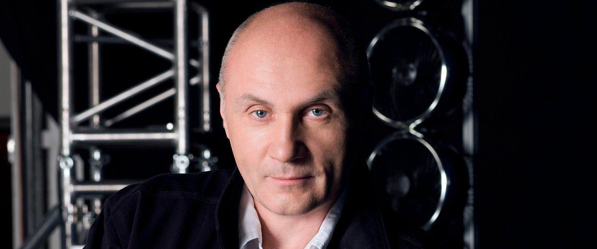 Adam Pieczyński kończy karierę zawodową i odchodzi ze stanowiska szefa pionu informacji TVN. Jego następcą zostanie Michał Samul.