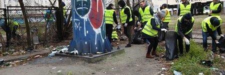 Pracownicy Avivy zebrali tonę śmieci na terenie Warszawy