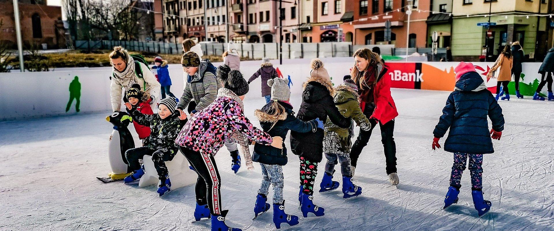Zima w mieście – darmowe lodowisko od mBanku!