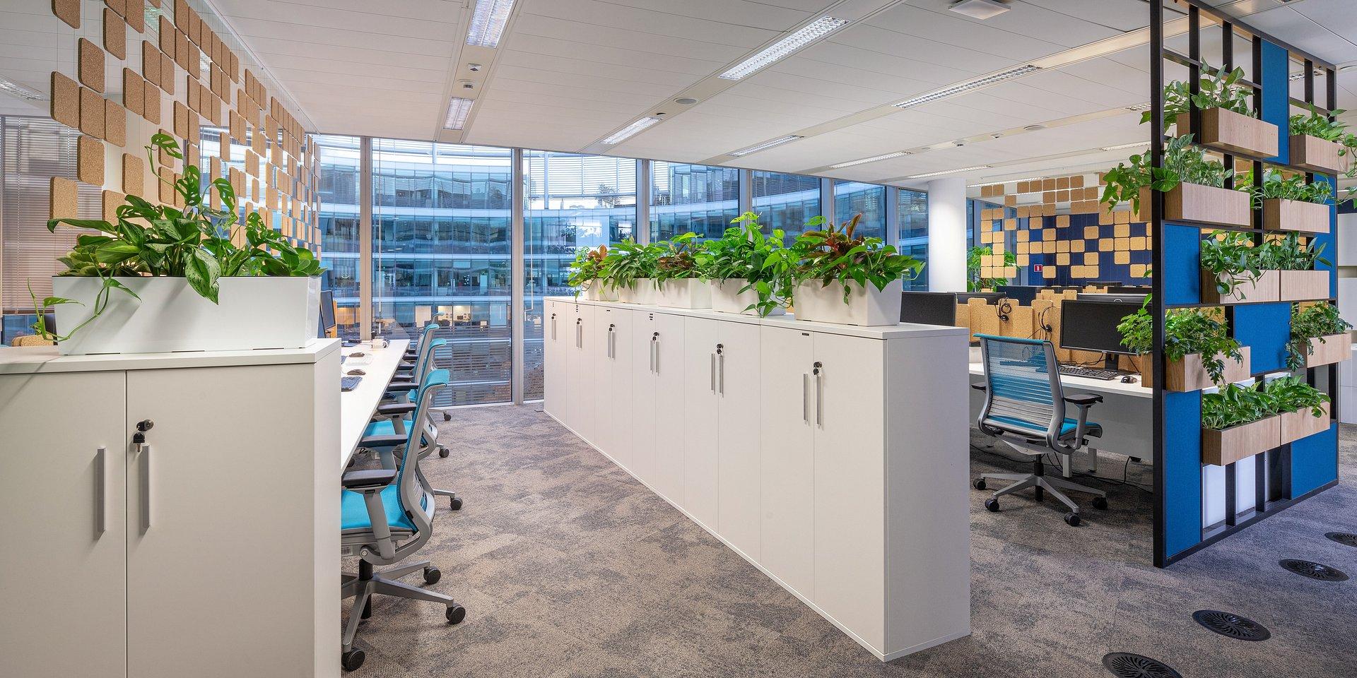 Jak aranżacja biura zwiększa efektywność pracowników?