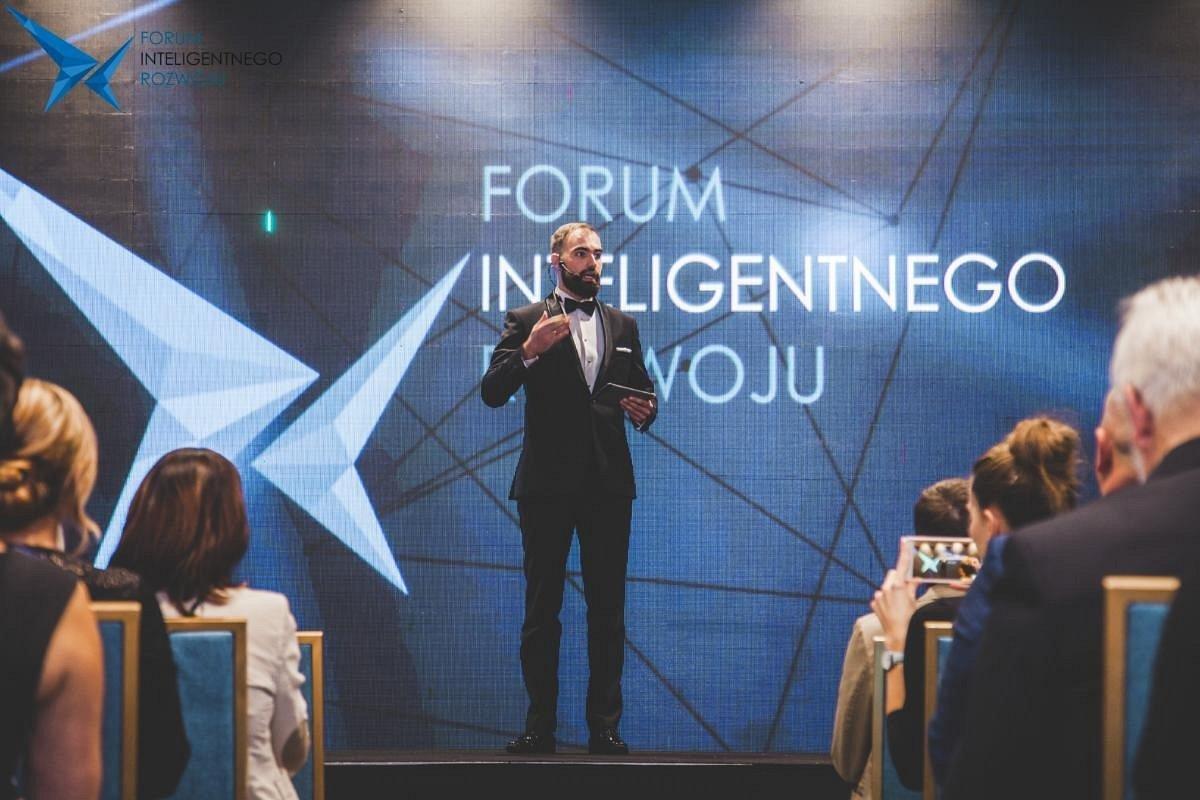 Artur Pollak odebrał nagrodę: PREZES WIZJONER podczas 4. Forum Inteligentnego Rozwoju w Uniejowie
