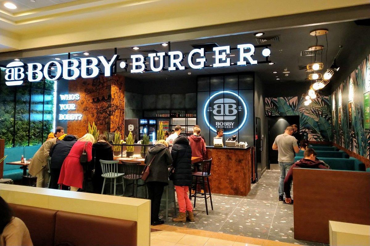 Bobby Burger zdobywa stolicę i podbija kraj. Największa polska sieć burgerowni otworzyła 20 lokal w Warszawie, który jest zarazem 45 w Polsce