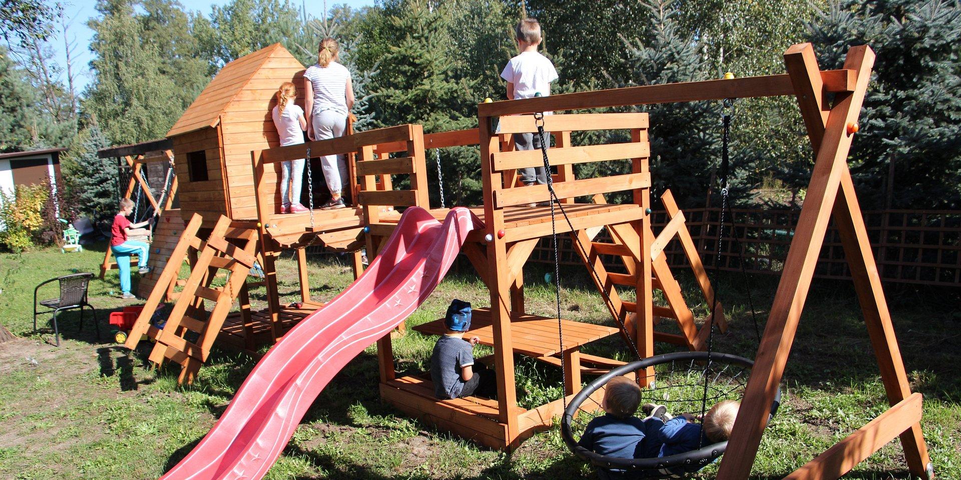 Plac zabaw przy Rodzinnym Domu Dziecka