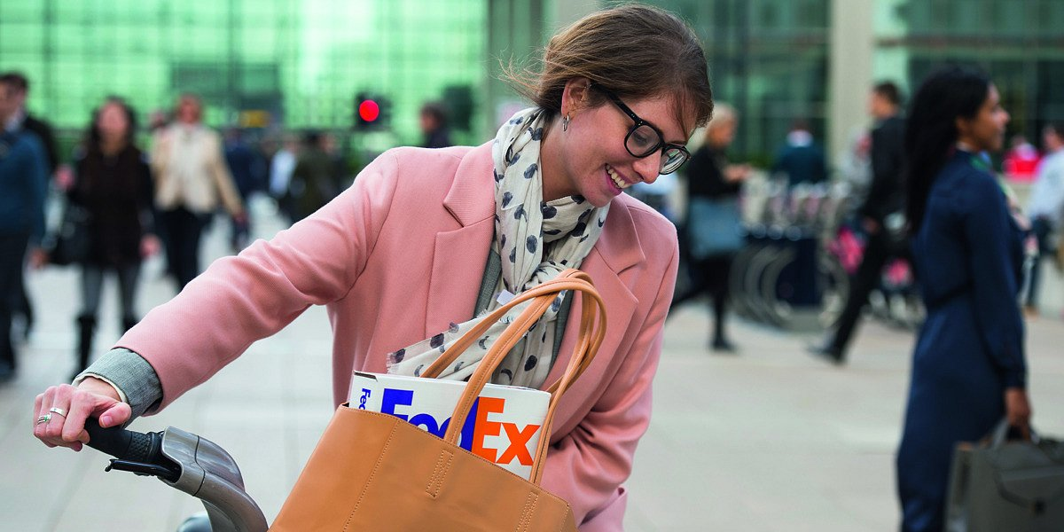 Przesyłki FedEx Express w salonikach Kolportera