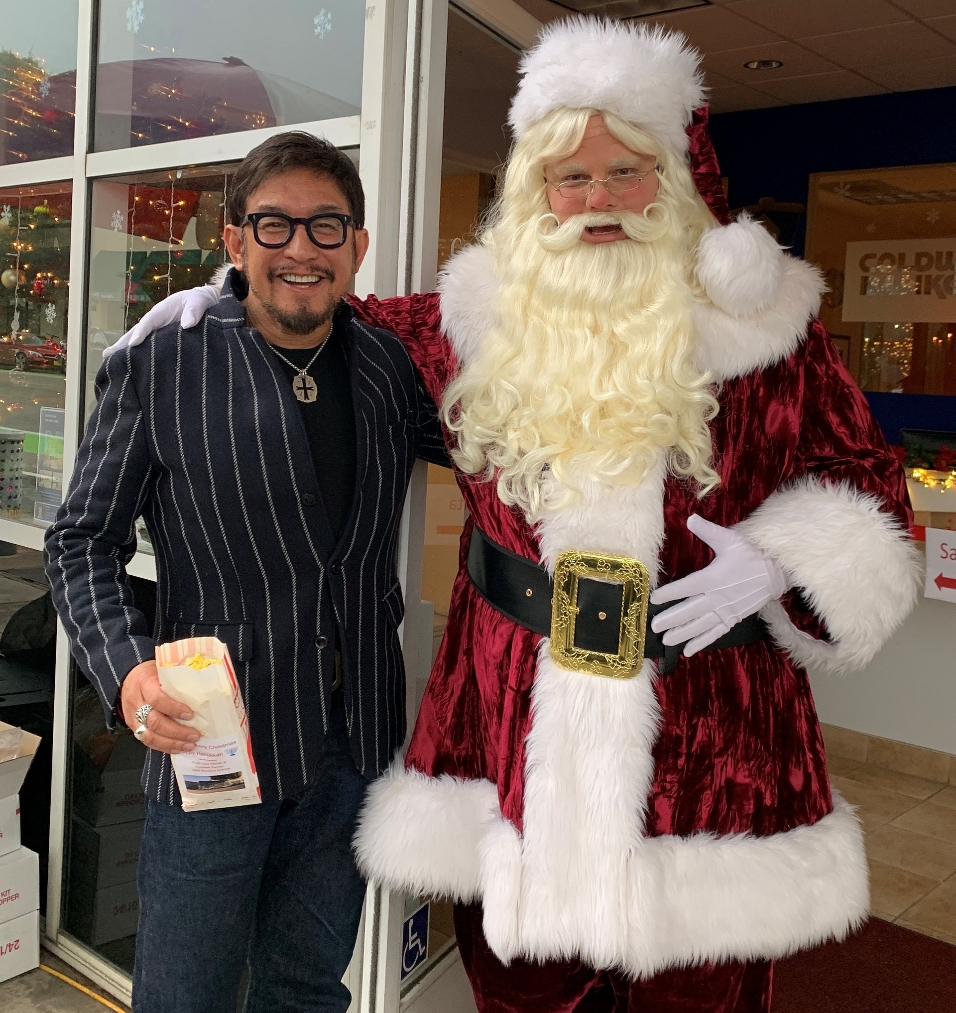 The Santa Monica Montana Office of Coldwell Banker Residential Brokerage Hosted Photos with Santa at Holiday Walk on MontanaUntitled