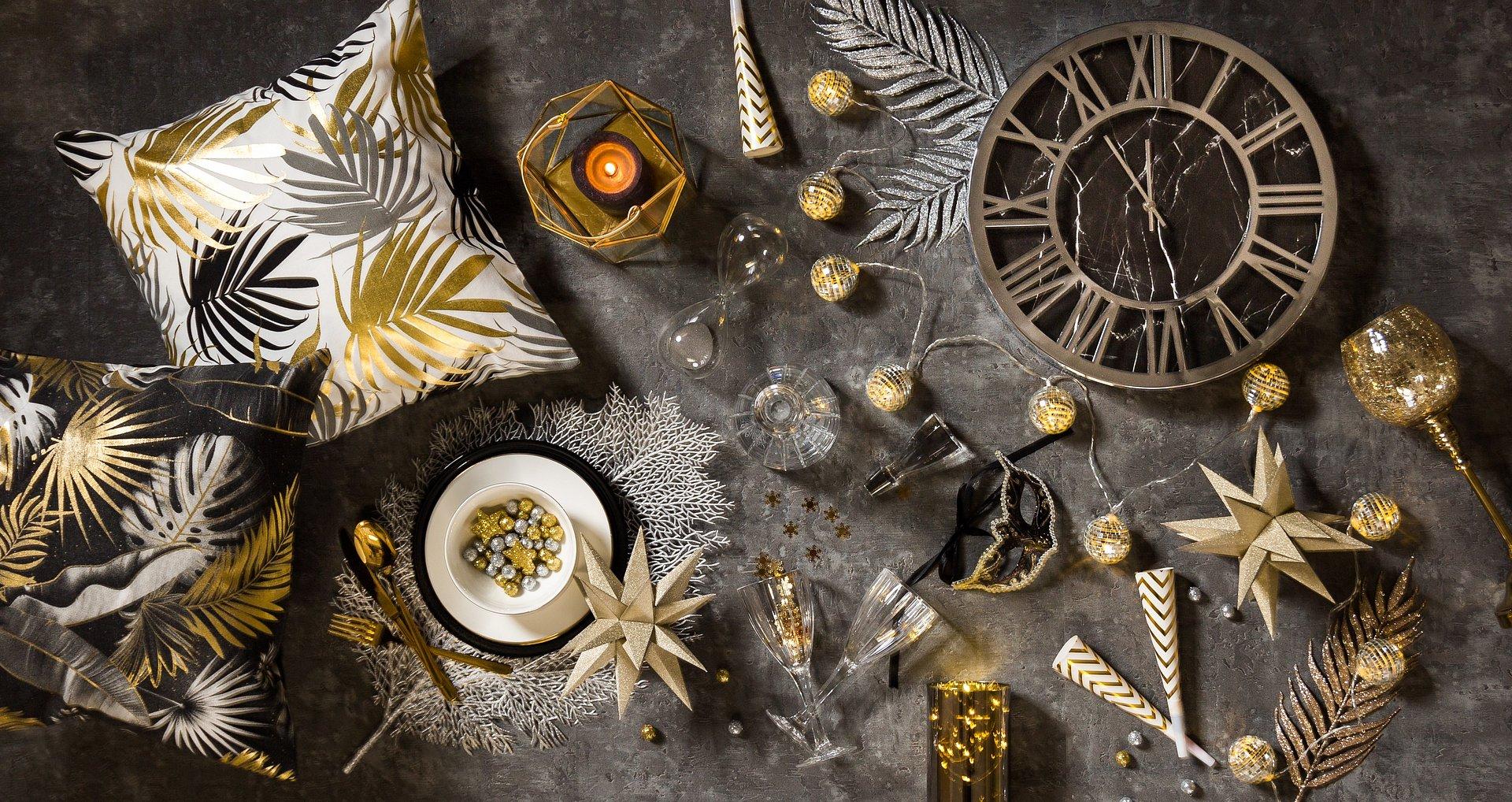 Sylwestrowe dekoracje w Twoim wnętrzu. Zaskocz gości efektowną aranżacją!