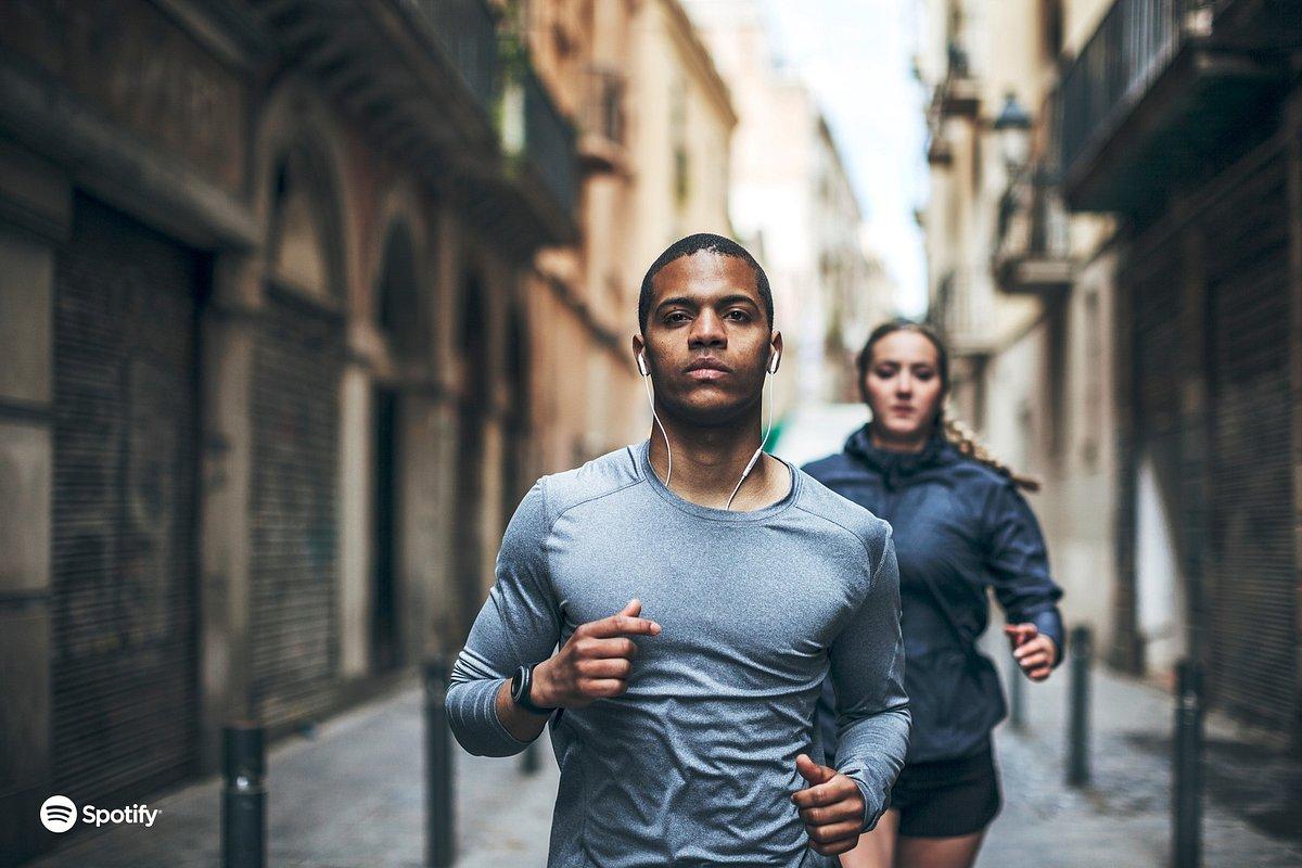 New Year, New You: Angesagte Fitness-Trends und motivierende Playlists für 2020