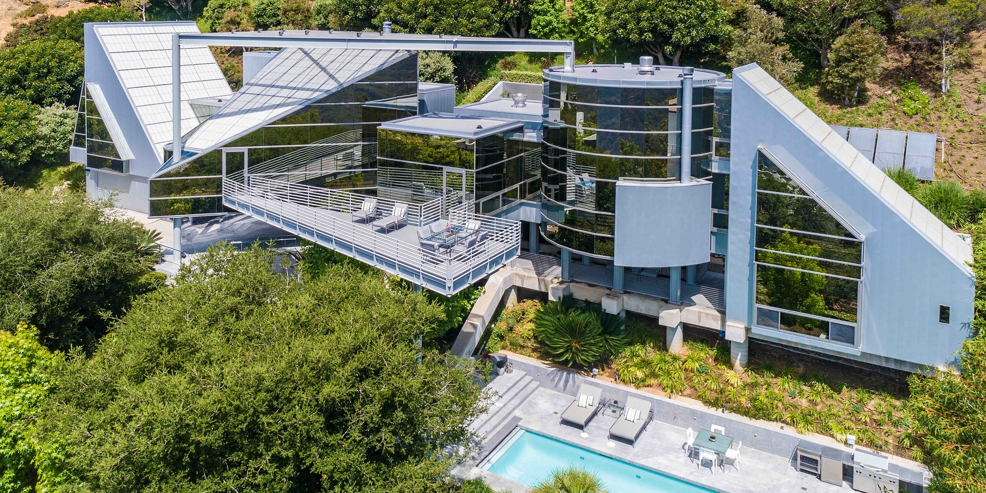 Coldwell Banker Residential Brokerage Sells Malibu Glass House by Edward Niles Architects for $4.2 Million