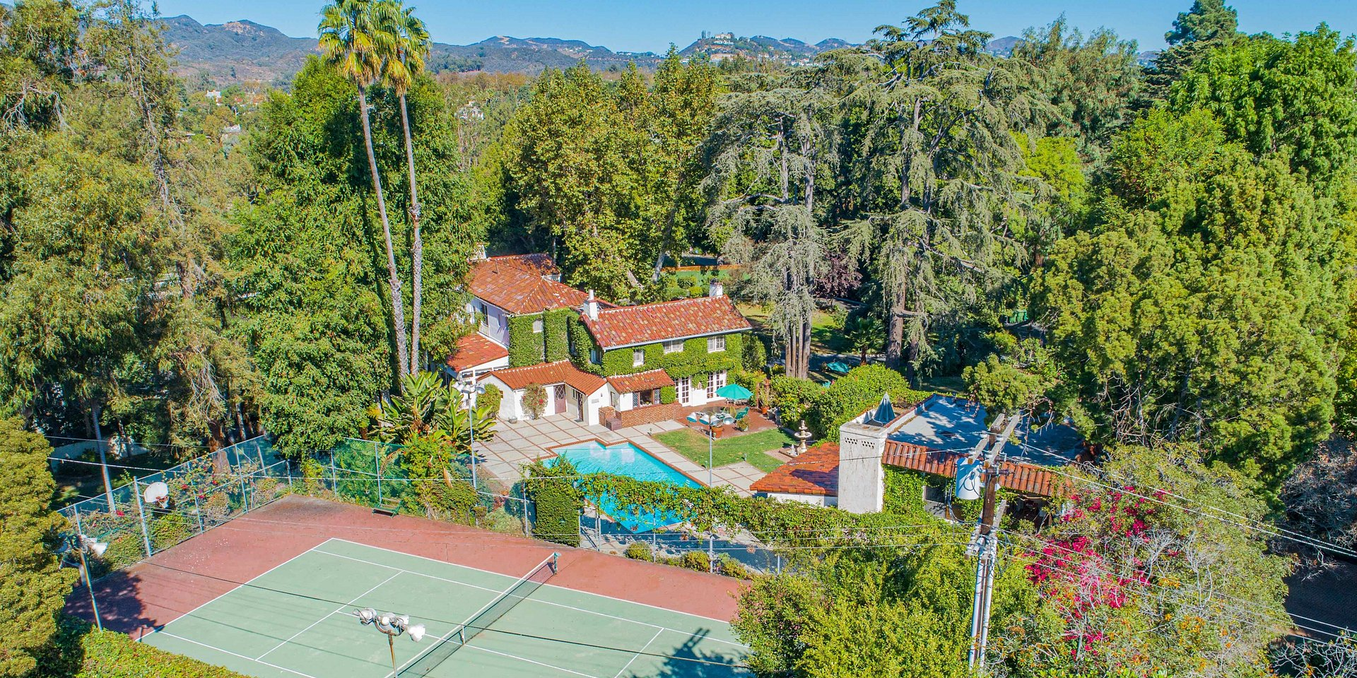 Coldwell Banker Residential Brokerage Lists Largest Flat Residential Lot in Santa Monica & Former Home of Architect John Parkinson for $20 Million