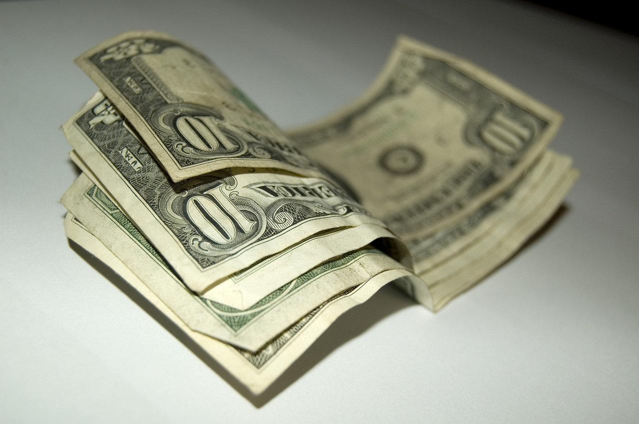 Sieci aptek niemal nie płacą podatków. Optymalizacja podatkowa czy rzeczywiste straty?