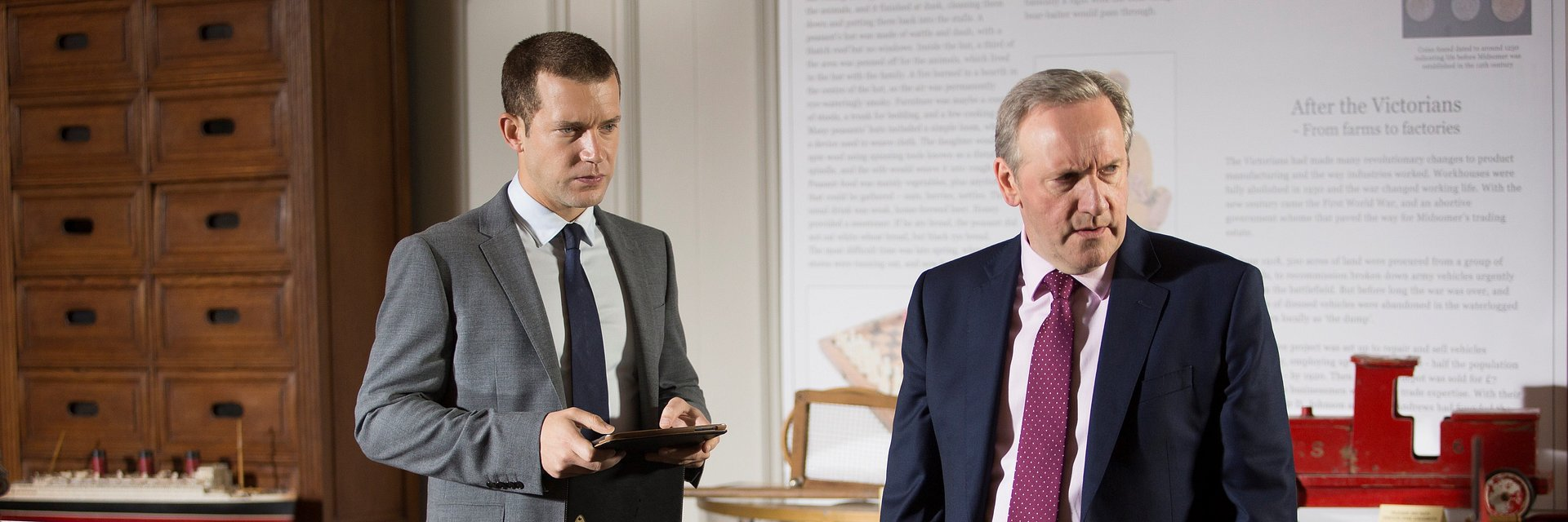 DETETIVES DE 'MIDSOMER MURDERS' INVESTIGAM NOVOS CRIMES NO FOX CRIME