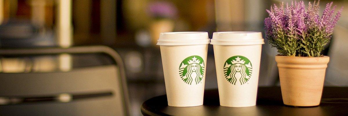 Starbucks rozwija roślinne menu dla środowiska