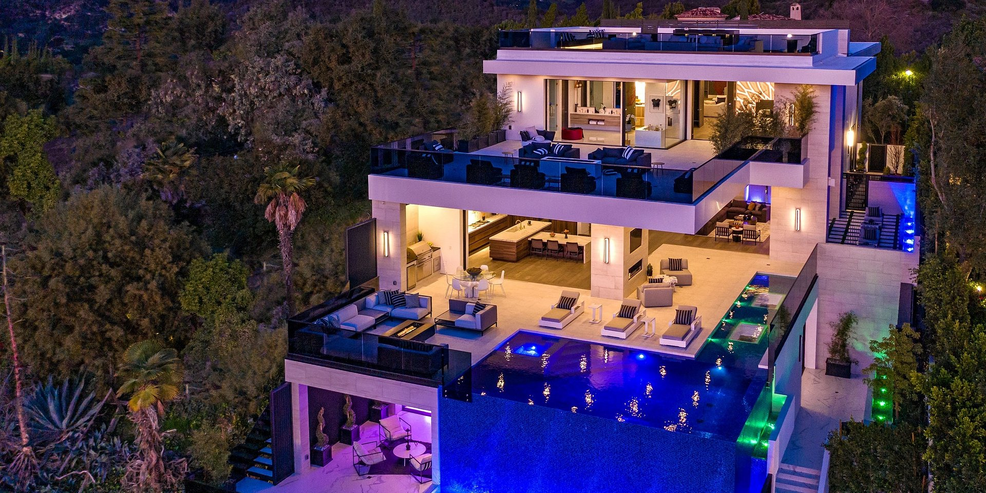 Coldwell Banker's Jade Mills Announces Listing of Los Angeles Estate for $19.899 Million