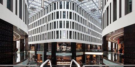 Nowe rozwiązania technologiczne i rozwój oferty handlowej – podsumowanie 2019 r. w Placu Unii