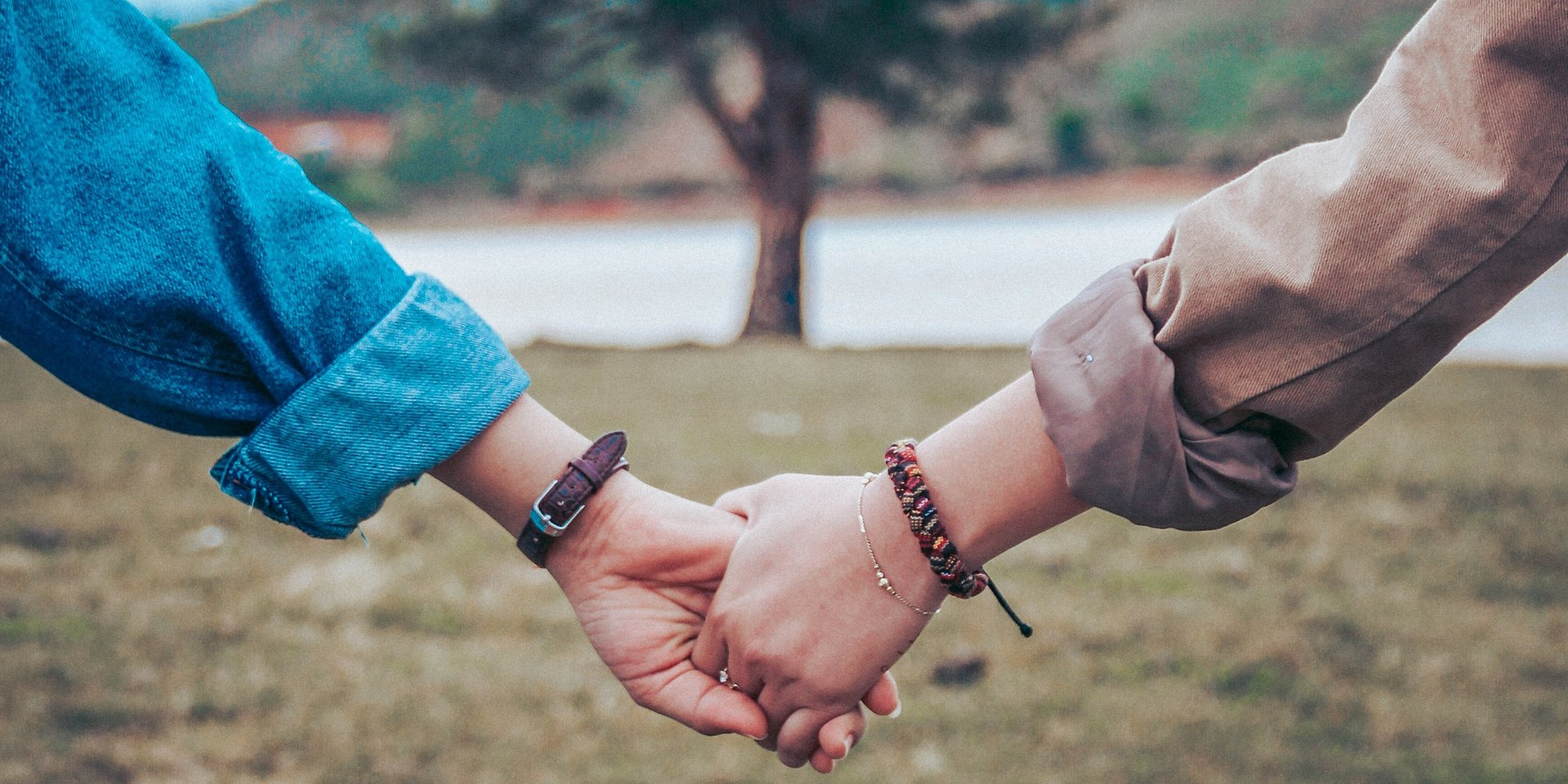 Rozmowa podstawą udanego związku – czy Polacy chętnie mówią o uczuciach?