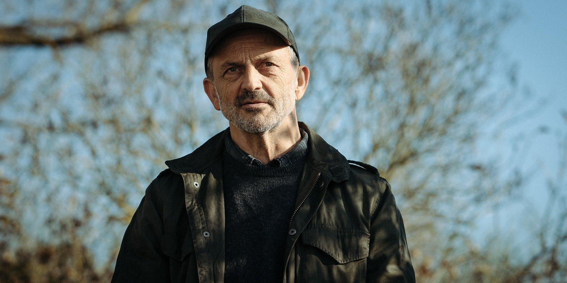 Jacek Koman o roli Stanisława w Małym Zgonie. CANAL+ przedstawia kulisy produkcji serialu.