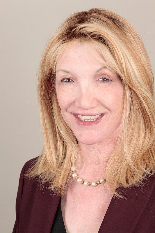 Tami McDonald Affiliates with the Rancho Bernardo Office of Coldwell Banker Realty