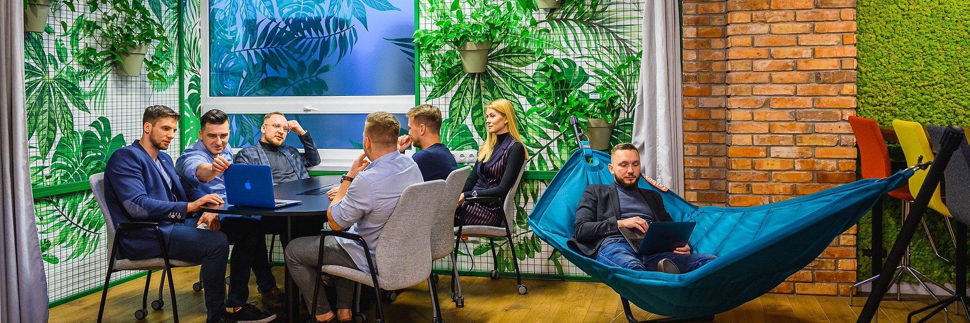 Brain Embassy, aby przyspieszyć ekspansję międzynarodową, podjęło współpracę z essensys plc* - liderem technologii flex-space.