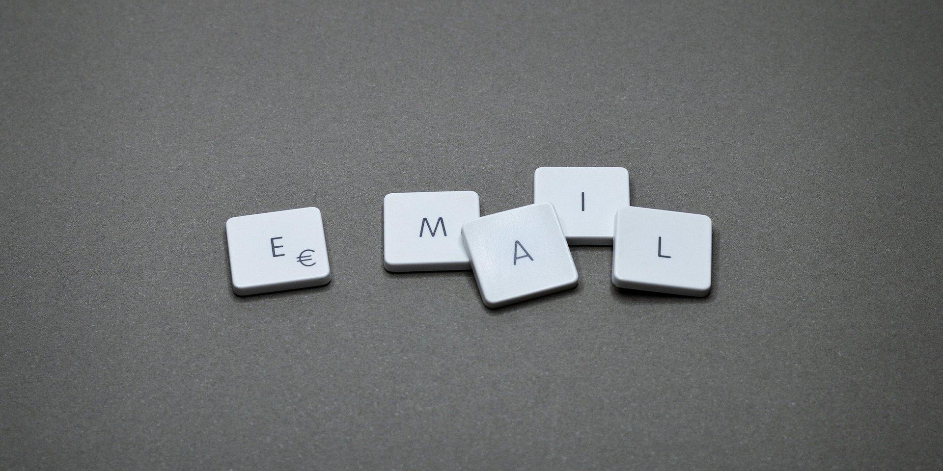 Po odejściu pracownika firma może korzystać z jego adresu e-mail, ale tylko w niektórych sytuacjach
