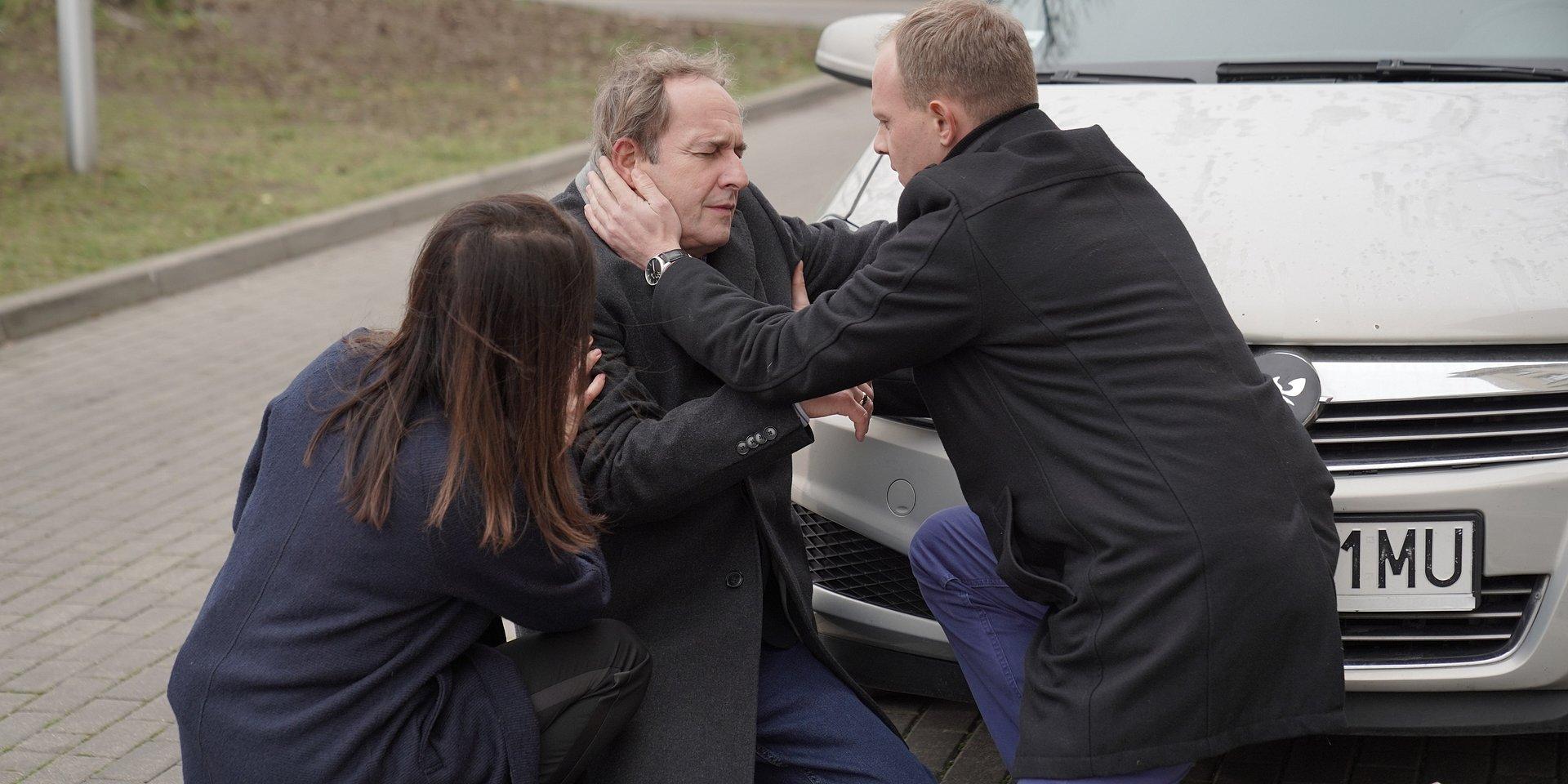 Na Wspólnej: Ostrowski umiera – czy uratuje go jego wróg Adamski?!