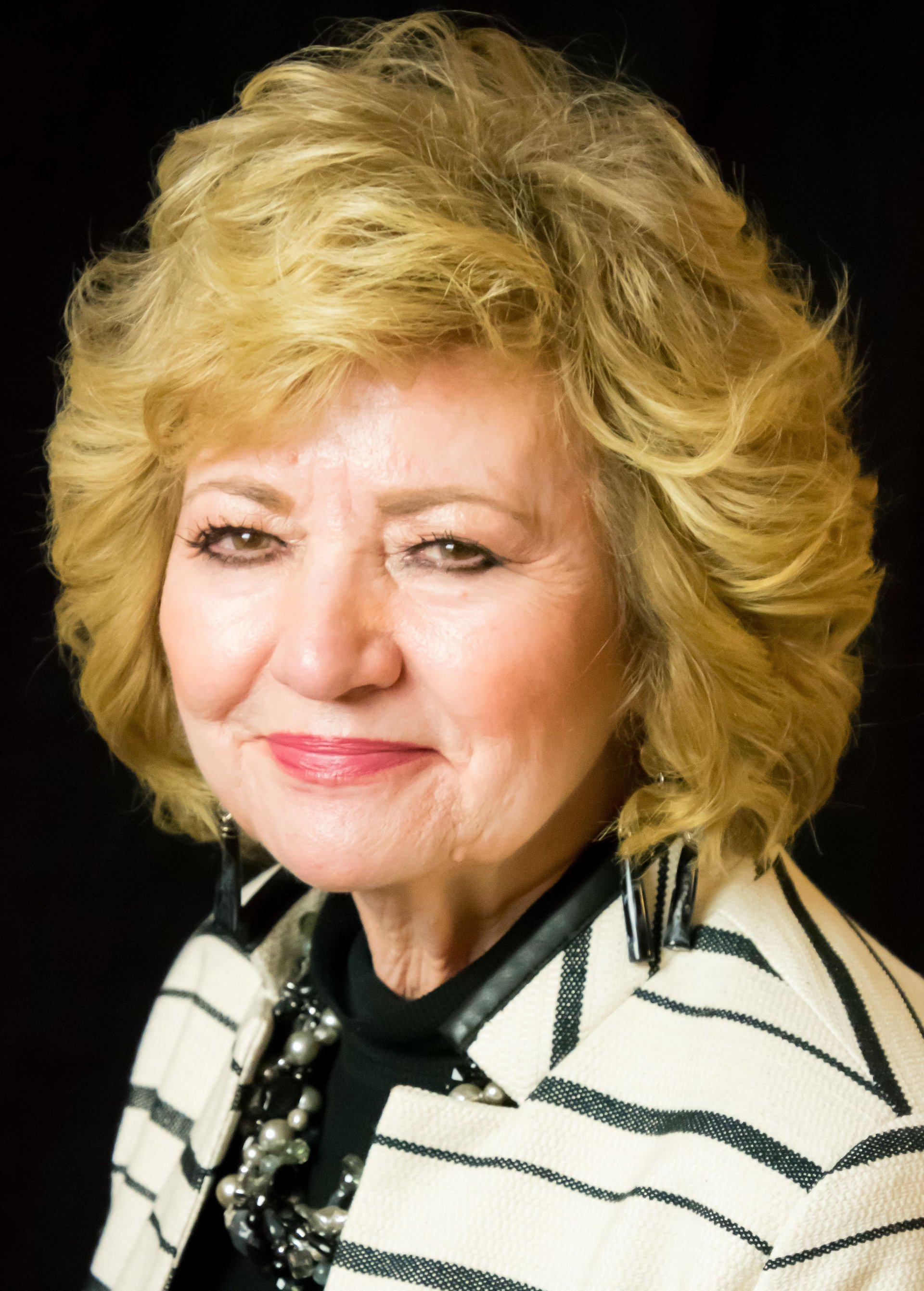 Dawn Anna Bradford Affiliates with the Prescott East Office of Coldwell Banker Realty