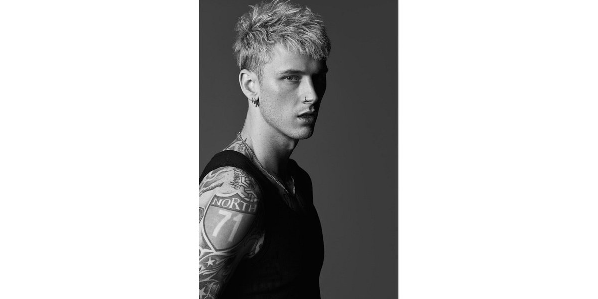 "Machine Gun Kelly z klipem do ""why are you here"""