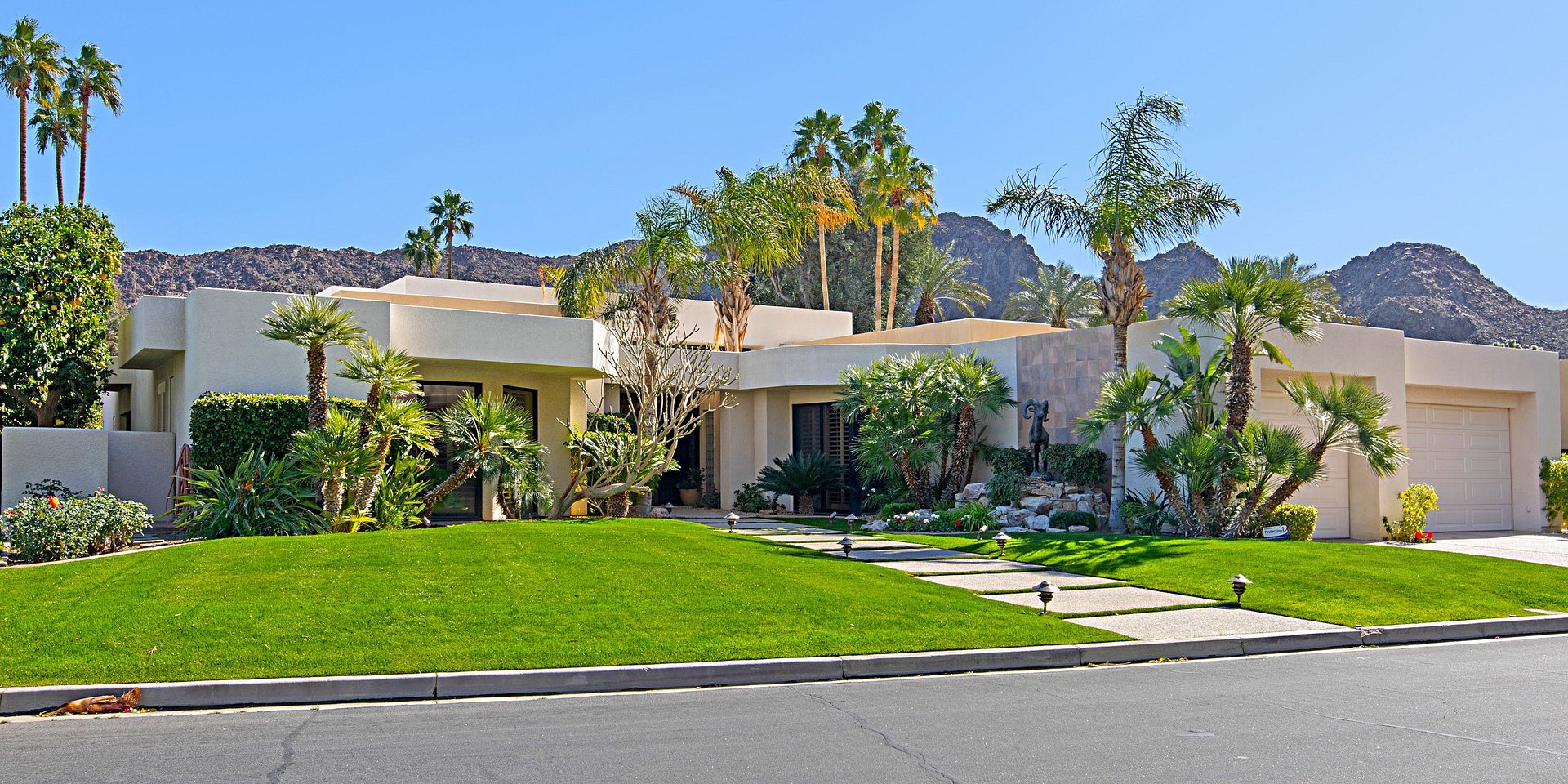 Coldwell Banker Realty Lists an Indian Wells Property Overlooking Country Club for $1.899 Million