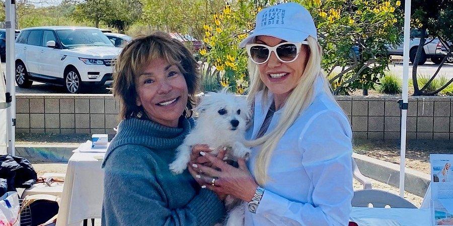 Coldwell Banker's Irene Dazzan-Palmer & Malibu Farmers Market Help Find New Homes for Nine Pets at Malibu Paws Pet Adoption & Sanctuary Event