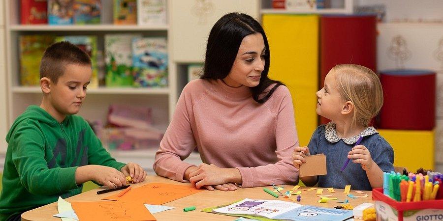 Izolacja z dziećmi? Ekspertka podpowiada, jak mądrze spędzić czas we własnym domu
