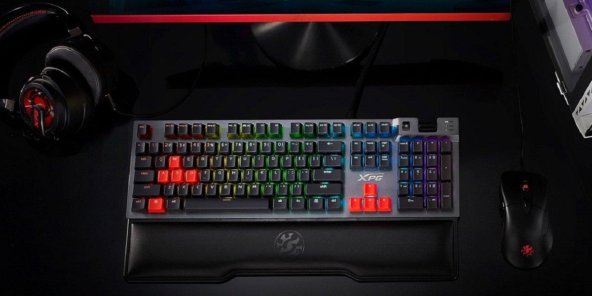 Promocje na produkty XPG w x-kom. Słuchawki XPG Precog 7.1 tańsze o 140 zł, do klawiatury XPG Summoner podkładka RGB gratis