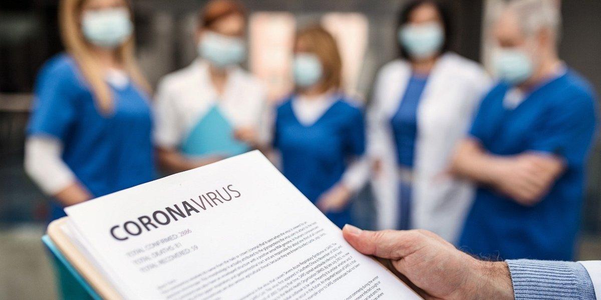 Farmaceuci, lekarze, diagności, fizjoterapeuci i pielęgniarki mówią jednym głosem. O co apelują do rządu i pacjentów?