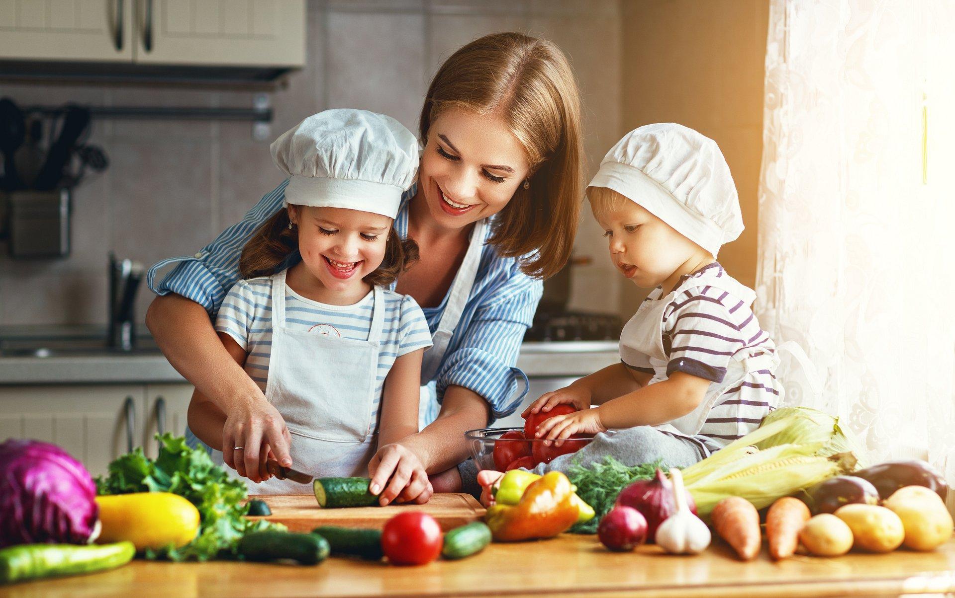 3 nawyki żywieniowe, które warto wprowadzić do diety Twojego dziecka, aby cieszyło się zdrowiem i odpornością