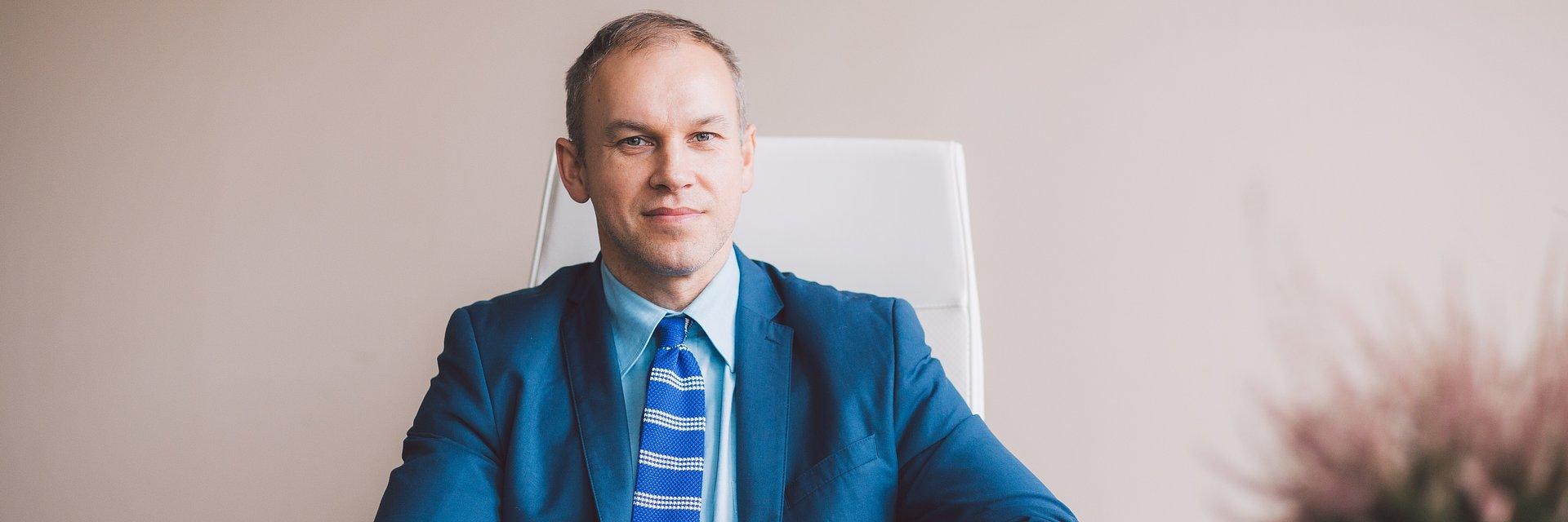 ekonomia, biznes, finanse przedsiębiorstw: dr Krzysztof Maślankowski