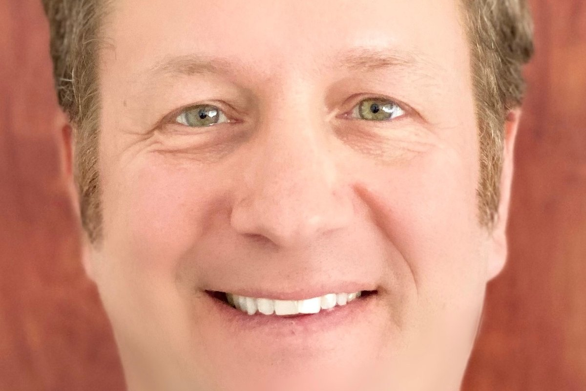 Alan Glasband Affiliates with the Manhattan Beach Office of Coldwell Banker Realty