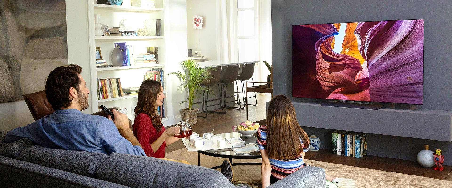 Dlaczego telewizor to teraz Twój najlepszy przyjaciel - 5 powodów, o których mogłeś już słyszeć i jeden mniej oczywisty