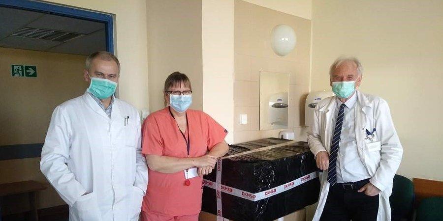 Wsparcie dla klinik transplantacji szpiku. Fundacja DKMS przekazała środki ochrony osobistej dla personelu medycznego