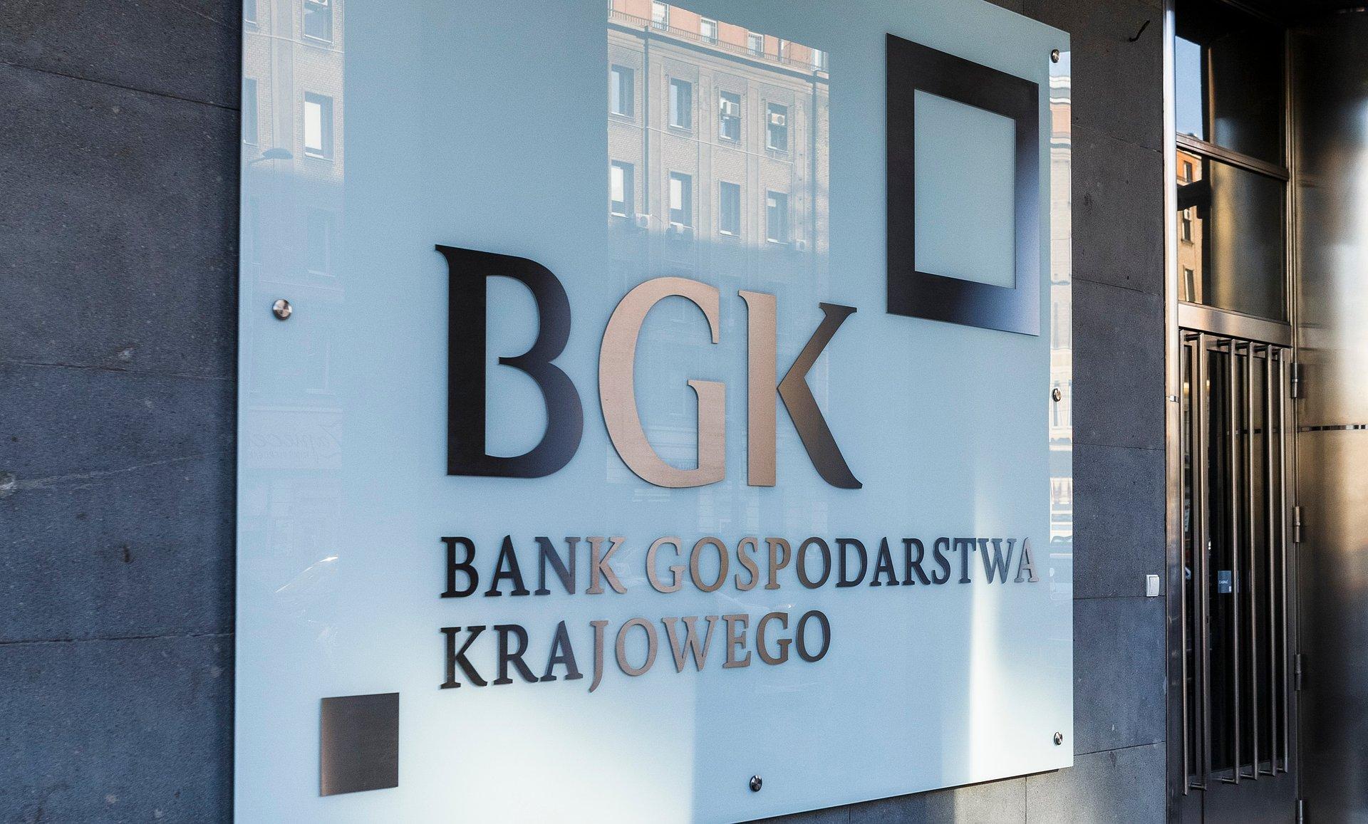 """Konferencja prasowa BGK online – """"Programy pomocowe BGK dla przedsiębiorstw dotkniętych skutkami pandemii COVID-19""""."""